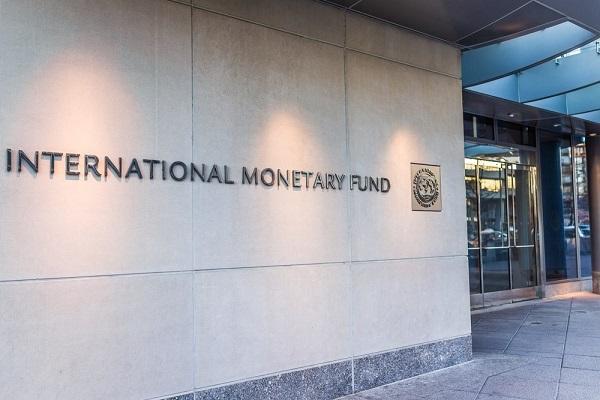 Невозможно укрепить власть Кремля, когда финансовая политика определяется МВФ