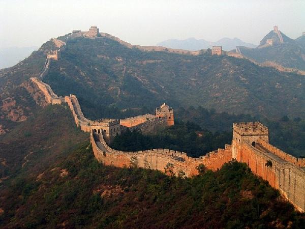 Стена.Китайский археолог показал документ,который Китай с крывал от всего мира.9000 км обмана
