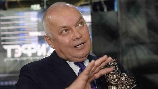 Как финансы поют романсы на ТВ в лице главного пропагандиста Киселева
