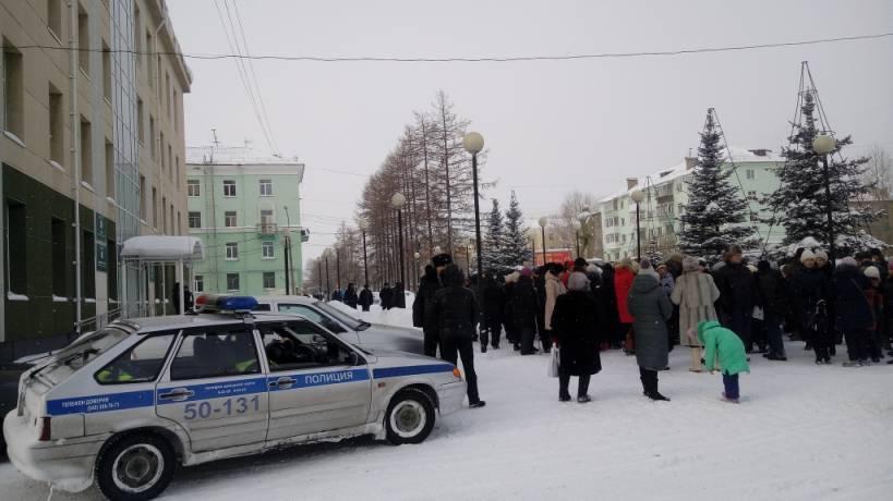 «Мы – не каратели!» Полиция в Серове отказалась разгонять мирный митинг