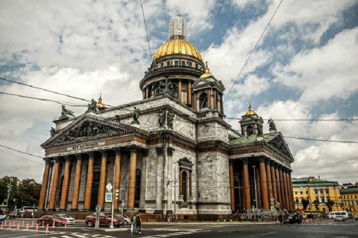 Власти отказались от планов передать Исаакиевский собор РПЦ