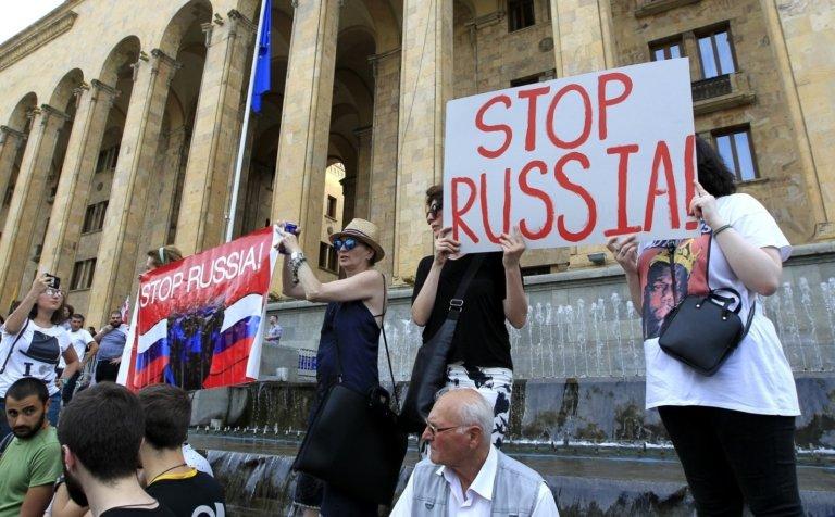 Грузинский бунт против РФ – бессмысленный и беспощадный…
