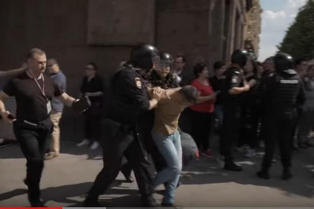 Битва со злом у московской мэрии