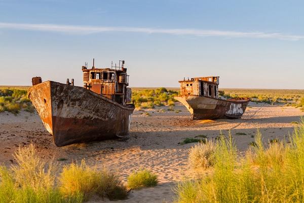 Куда исчезло Аральское море. Странные символы на высохшем дне. Климат планеты