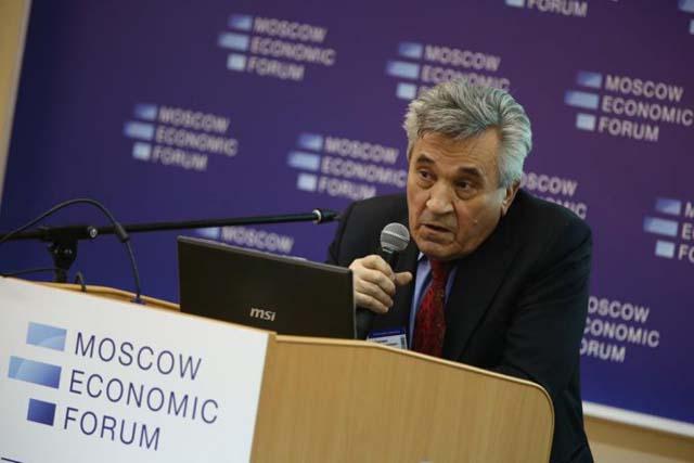 Василий Симчера: Врач и учитель должны зарабатывать по миллиону в год
