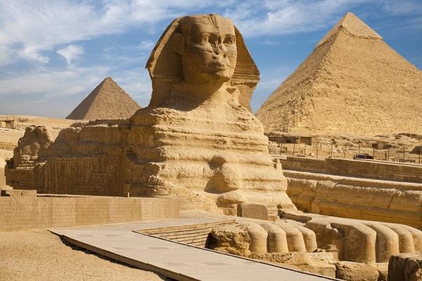 Археологи в тайне от властей Египта проникли под Сфинкс
