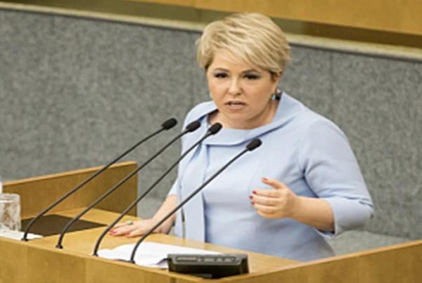 Бедных граждан России сравнили с тунеядцами. Высказывание депутата от Единой России Ирины Гусевой.