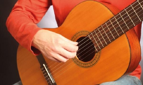 Возможность обучится игре на гитаре даже через Skype