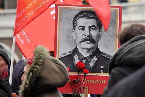 Мы думаем, что судим Сталина – но это он нас судит с высоты его бессмертия. К 140-летию