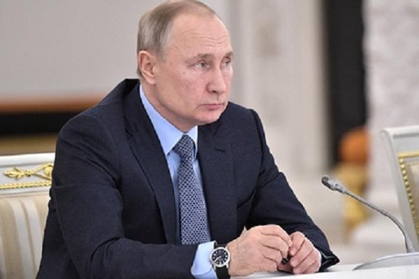 Путин повысил минимальную зарплату россиян