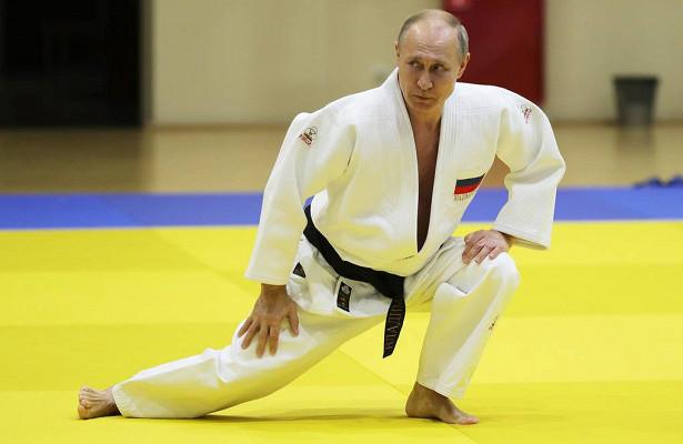 Политическое дзюдо Путина: он полюбил победы «за неявкой соперника»
