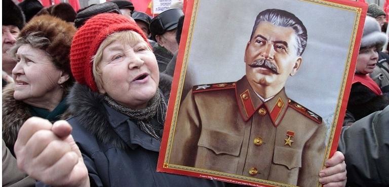 Почему я в нашу Конституцию вписал бы имя Сталина, а не Бога