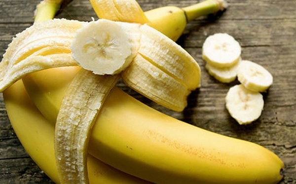 Медики назвали 7 болезней, которые вылечат бананы