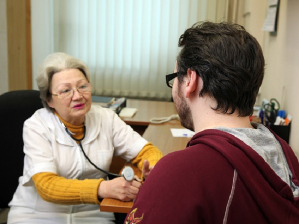В Минздраве уточнили, как по новым правилам будут принимать пациентов