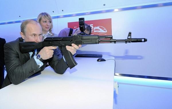Свои приоритеты он видит в милитаризации России и усилении силовиков