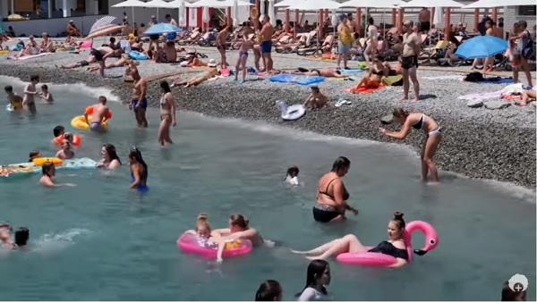 Отдых в Крыму: роскошные курорты и настоящие гадюшники