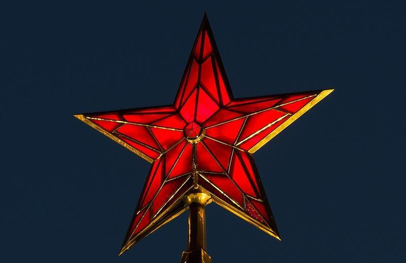 История кремлёвских звёзд