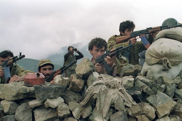 Новая армяно-азербайджанская война: при чем здесь Россия?