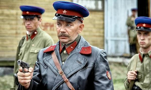 Как показывают офицеров НКВД в фильмах (и как они реально вели себя на фронте)