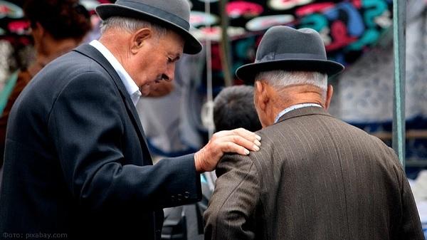 Куда пропали трудовые пенсии, кому дают страховые, а кому теперь грозят социальные