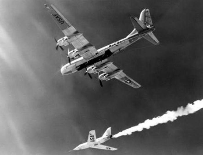 68 лет назад ВВС США сбросили на Квебек атомную бомбу