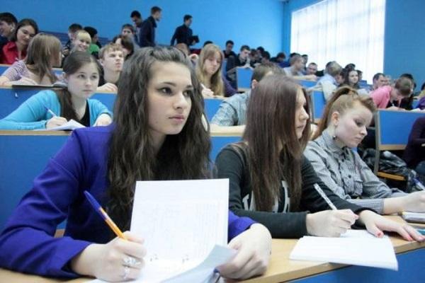 Правительство сэкономит на студентах