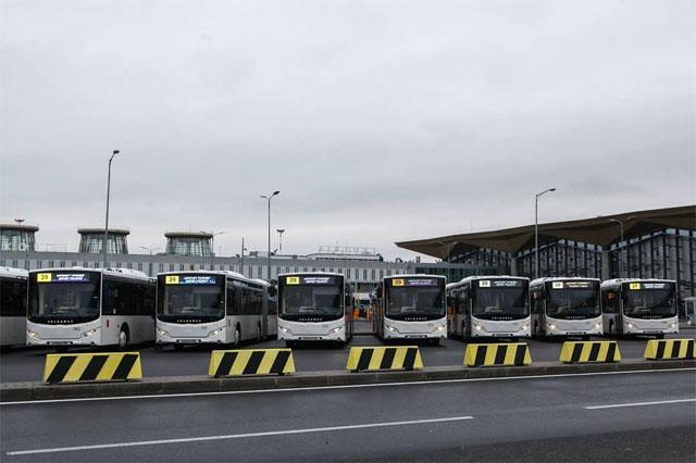 Автобусы VOLGABUS с USB зарядками в аэропорту Пулково г. Санкт-Петербург