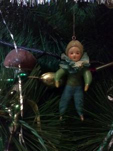 мальчик елка