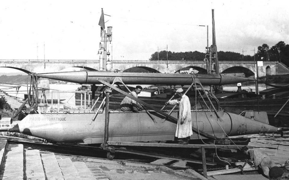 Gabet-Radio-Control-Torpedo-1