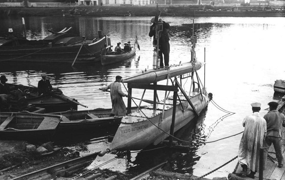 Gabet-Radio-Control-Torpedo-2