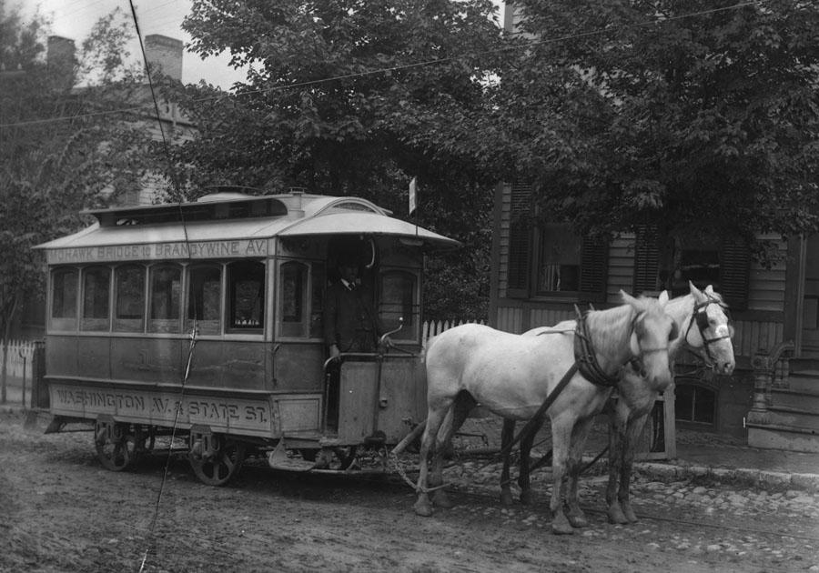 HorseTrolley-001