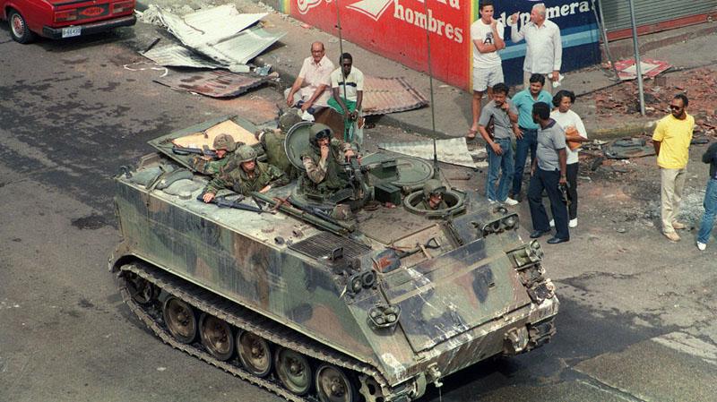 invasion-EEUU-Panama-rinden-FotoAFP_MEDIMA20141217_0143_24