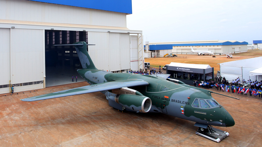 embraer_kc-390_rollout_2