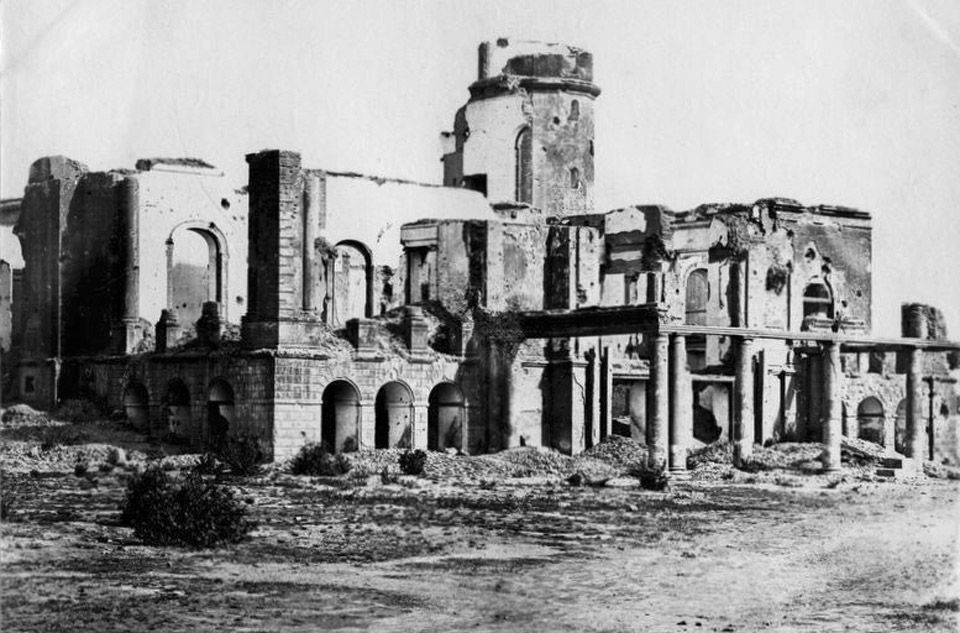 Ruins_of_Residency_Lucknow_-_1880's