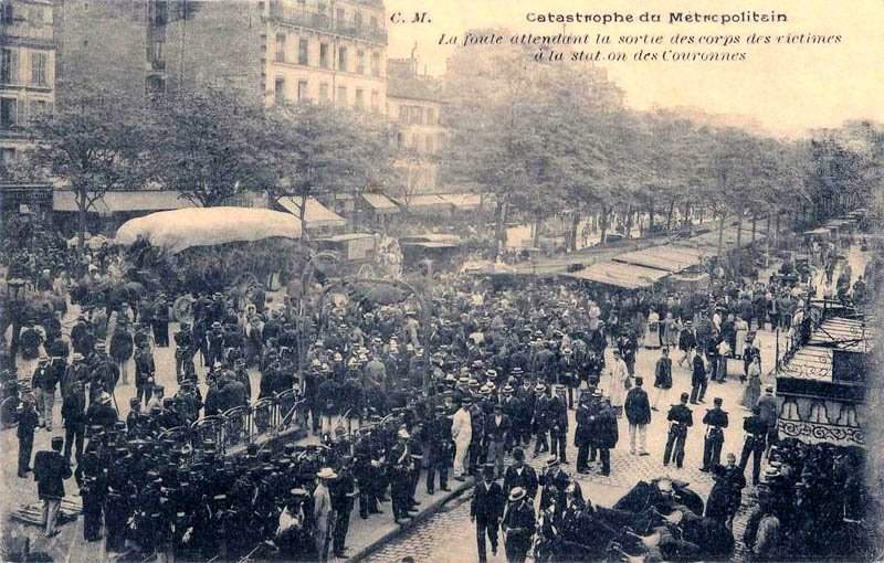 Paris_-_Catastrophe_du_Metropolitain_station_Couronnes