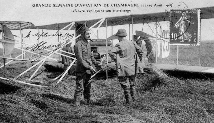 1909-Eugene-Lefebvre-at-Reims-in-Wright-Flyer