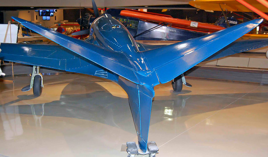 bugatti-110p-tail-at-eaa