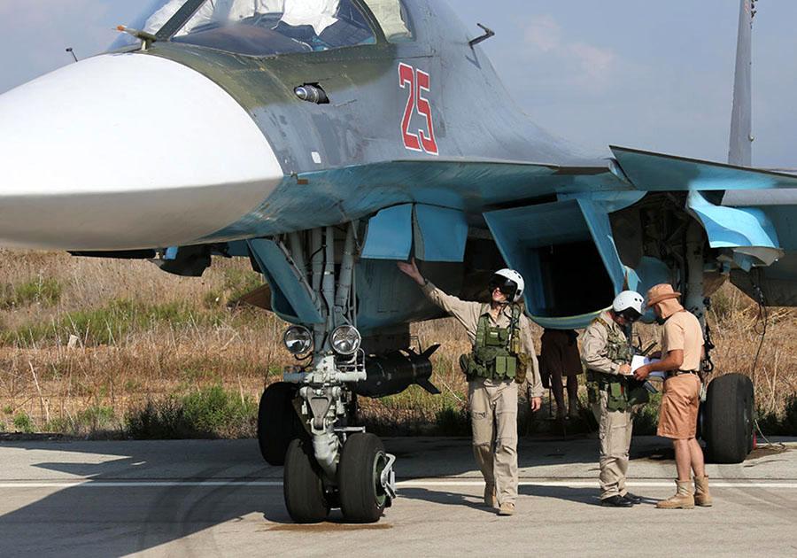 Самолет-Су-34-4-октября-2015-года