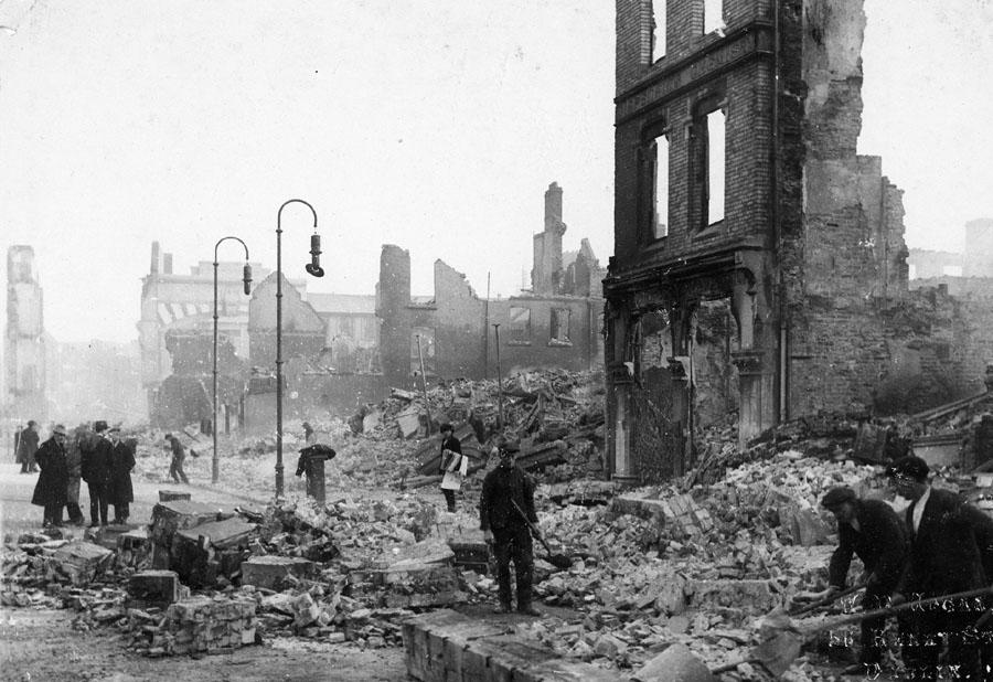 The_Burning_of_Cork_(Центр Корка после пожара)