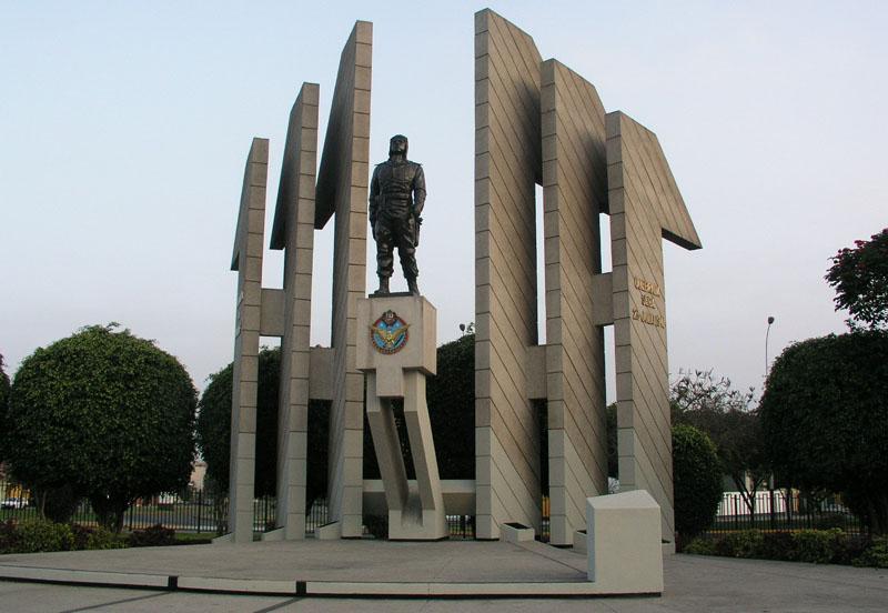 Lima_Monumento_Quinones