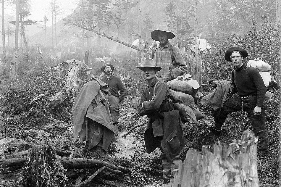klondike-gold-rush-miners-1897-daniel-hagerman
