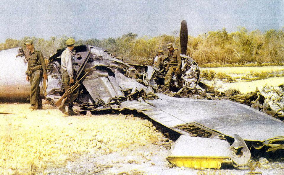 avion en colores B26 derribado