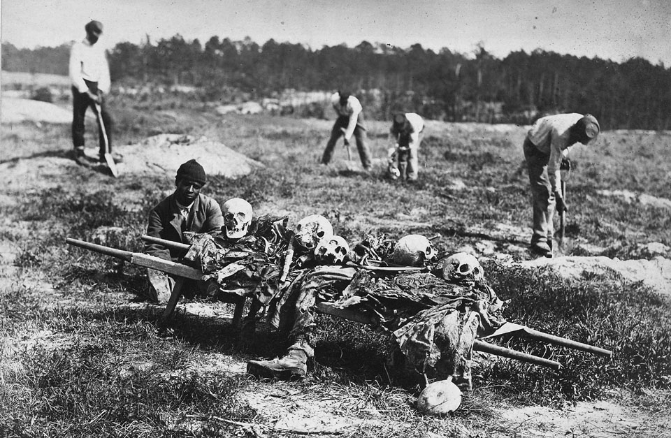 Virginia,_Cold_Harbor._A_burial_party_on_the_Battlefield_-_NARA_-_533367