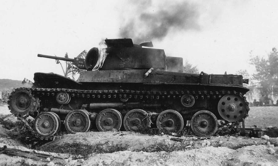 Japanese_Type_97_Chi_Ha_9th_Tank_Regiment_on_Fire_Saipan_1944