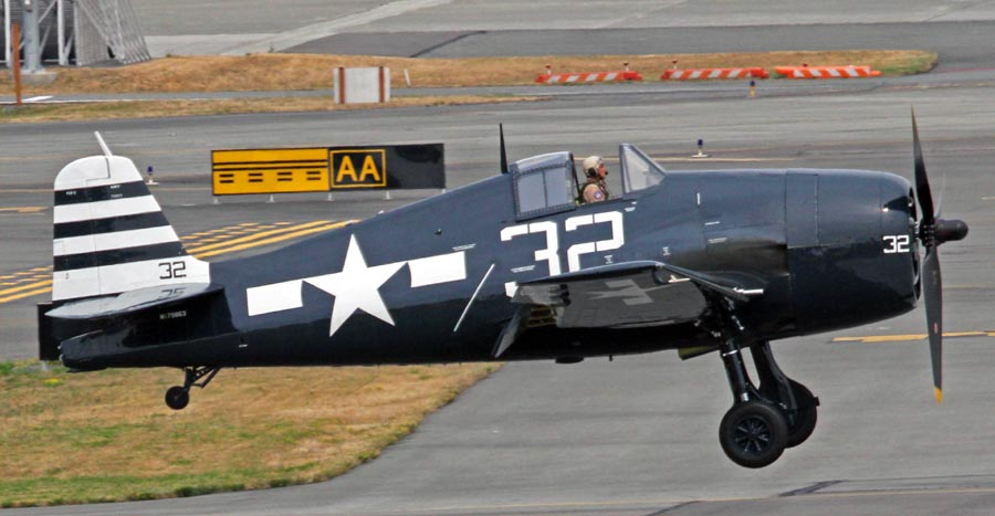 NX79863_Grumman_F6F-5_Hellcat_Historic_Flt_Foundation_PAE_31JUL13_(9414018308)