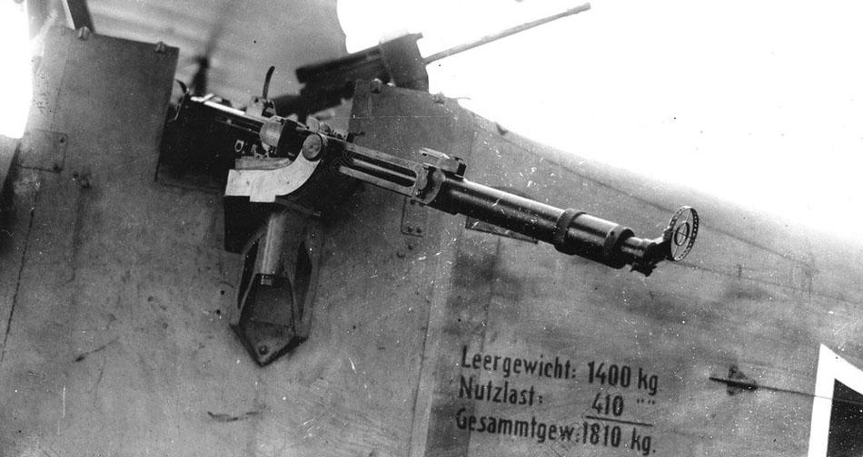 AKG1061903