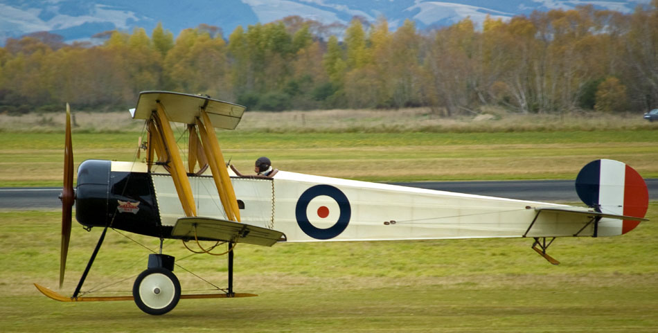 Avro_504K_taking_off,_Masterton,_New_Zealand,_25_April_2009