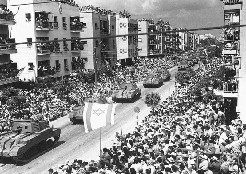 Archers-parade-1957-1L