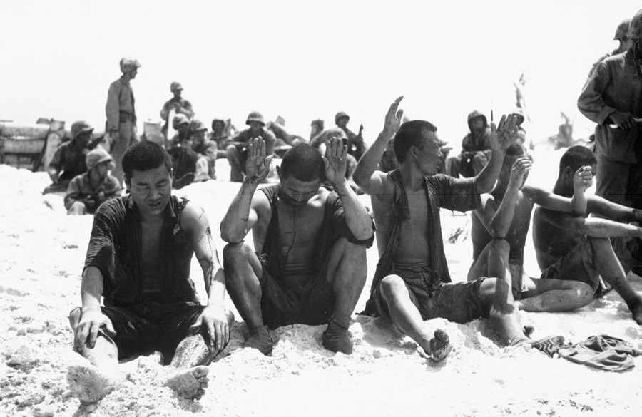 5_Japanese_POWs_on_Tarawa