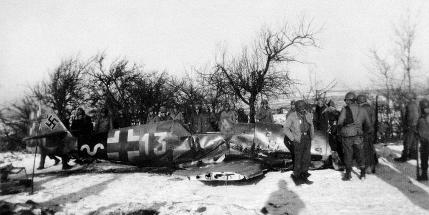 Bf-109G14-13.JG53-(W13+-)-Herbert-Maxis-784993-Bodenplatte-1945-00